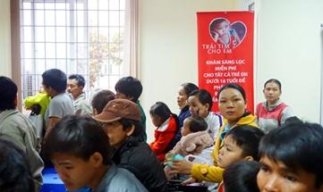 Tổ chức khám sàng lọc bệnh tim cho trẻ em và khám từ thiện năm 2016