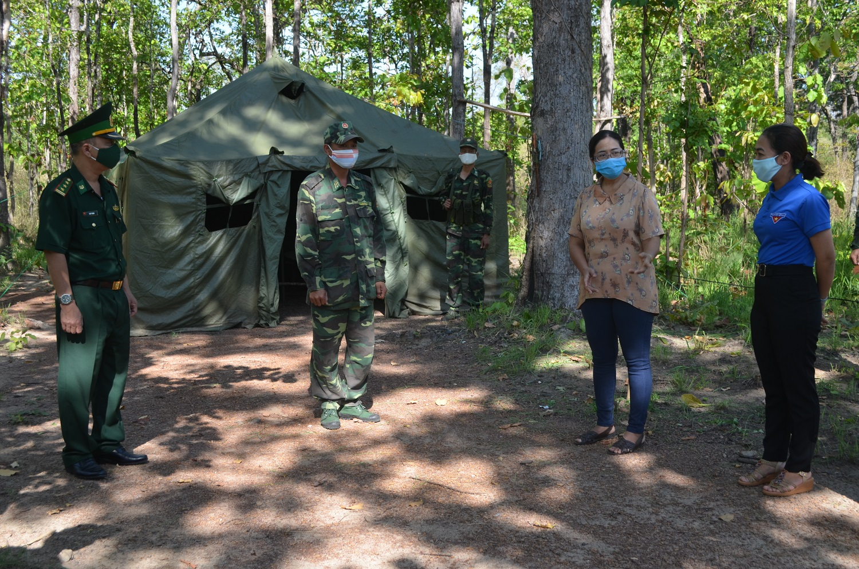 Ủy ban Mặt trận Tổ quốc Việt Nam tỉnh Đắk Lắk thăm và động viên cán bộ, chiến sĩ trên biên giới