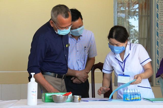 Thị xã Buôn Hồ: Hỗ trợ 360 người có công với cách mạng gặp khó khăn do đại dịch Covid-19