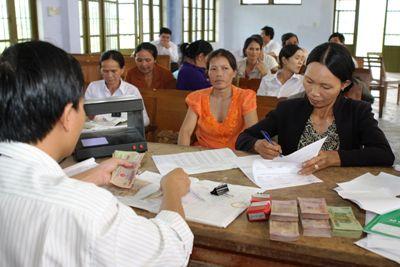 Quyết định về việc phê duyệt danh sách hỗ trợ đối tượng bảo trợ xã hội đang hưởng trợ cấp xã hội hàng tháng gặp khó khăn do đại dịch Covid-19 của huyện Ea Súp, tỉnh Đắk Lắk.
