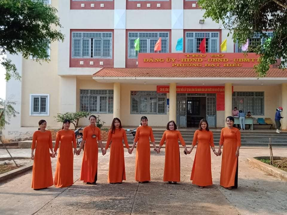 Ao Dai performance in Dak Lak to celebrate President Ho Chi Minh's 130th birthday