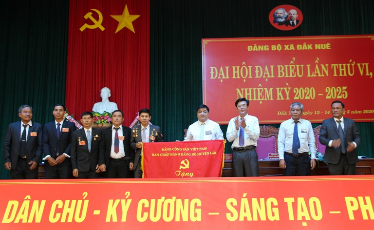 The 6th Party Congress of Dak Nue commune's Party Committee for the 2020-2025 term