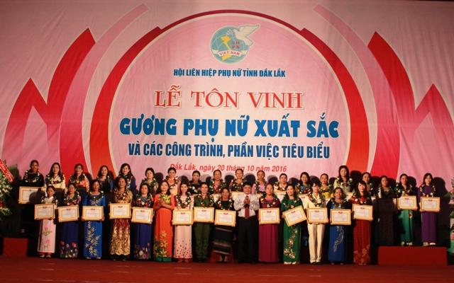 Hội LHPN tỉnh Đắk Lắk biểu dương điển hình tiên tiến trong phong trào thi đua yêu nước giai đoạn 2015-2020