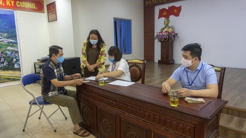 Quyết định phê duyệt danh sách hỗ trợ đối tượng bảo trợ xã hội đang hưởng trợ cấp xã hội hàng tháng gặp khó khăn do đại dịch Covid-19 của huyện Krông Búk, tỉnh Đắk Lắk