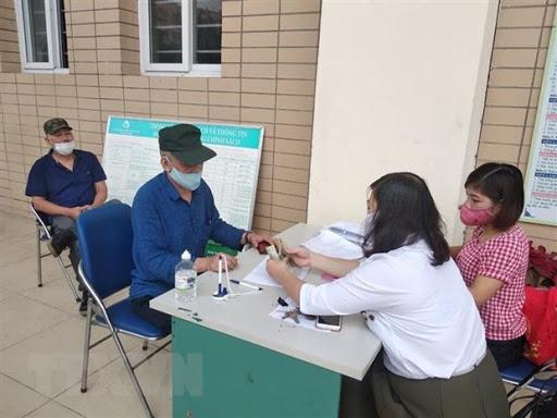 Quyết định về việc phê duyệt danh sách hỗ trợ đối tượng bảo trợ xã hội đang hưởng trợ cấp xã hội hàng tháng gặp khó khăn do đại dịch Covid-19 của huyện Krông Pắc, tỉnh Đắk Lắk.