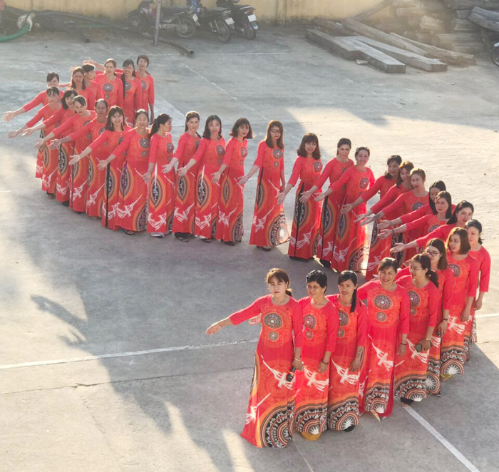Hơn 8.000 phụ nữ Đắk Lắk tham gia đồng diễn áo dài mừng sinh nhật Bác