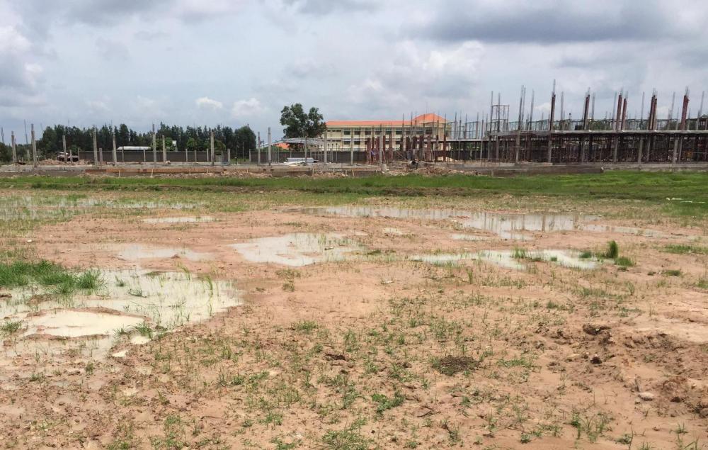 Quyết định về việc cho phép UBND thị xã Buôn Hồ chuyển mục đích sử dụng 15.216,69m2 đất tại xã Cư Bao và 28.001,1m2 đất tại xã Ea Drông từ đất nông nghiệp sang đất phi nông nghiệp để sử dụng vào mục đích thực hiện Đồ án Quy hoạch tổng mặt bằng 1/500 Điểm dân cư Đồi thông xã Cư Bao, thị xã Buôn Hồ.