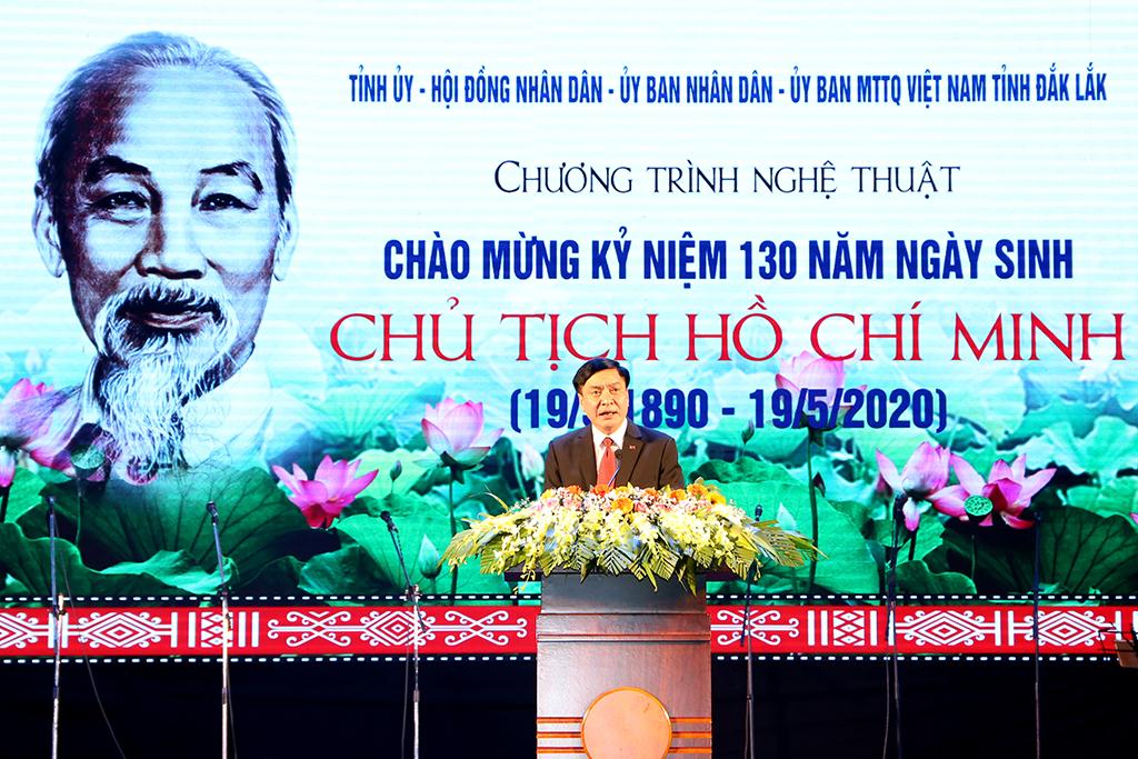 Chương trình nghệ thuật chào mừng kỷ niệm 130 năm Ngày sinh Chủ tịch Hồ Chí Minh