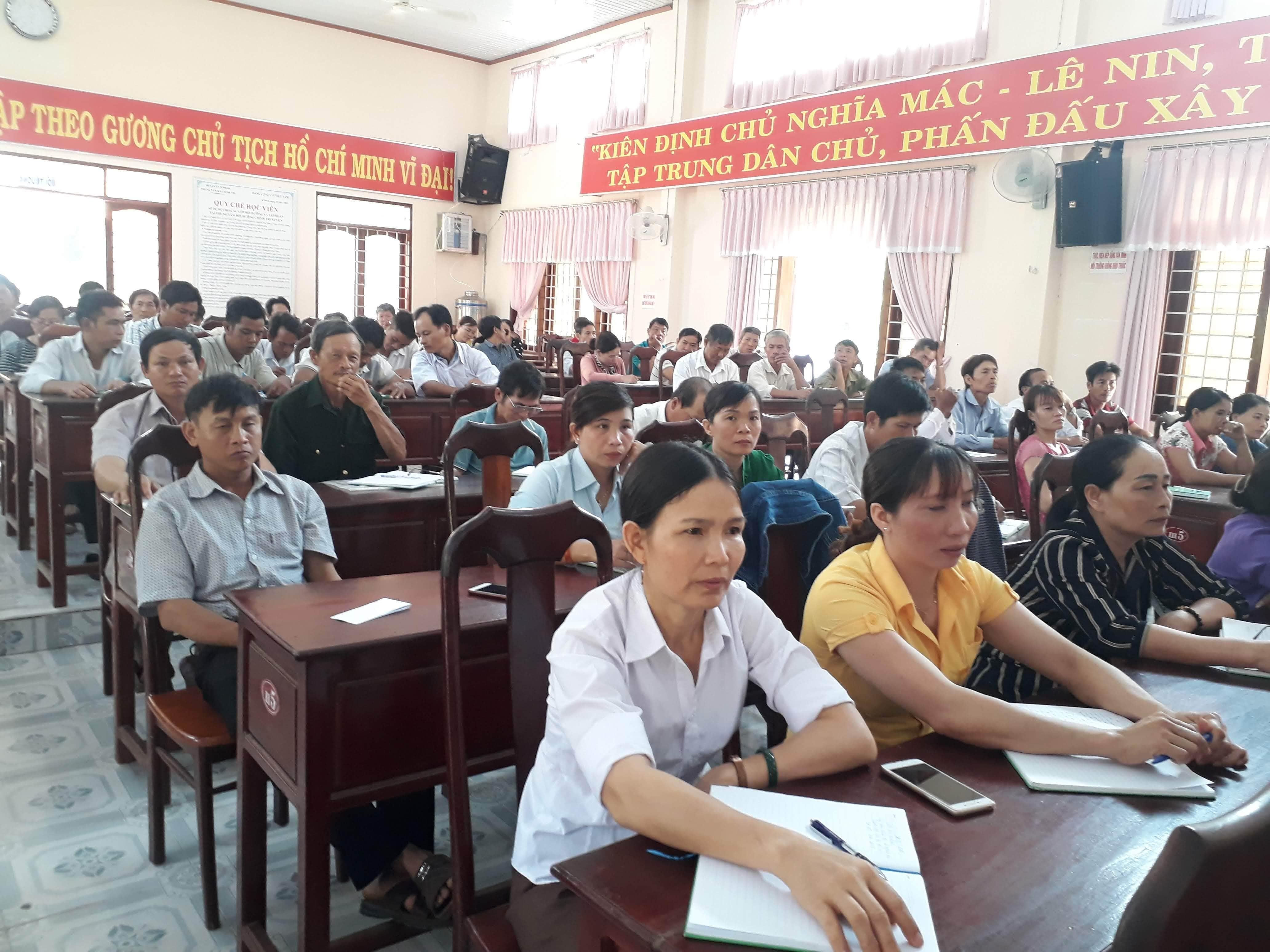 Khai mạc lớp bồi dưỡng lý luận chính trị và nghiệp vụ công tác Hội nông dân cơ sở năm 2020