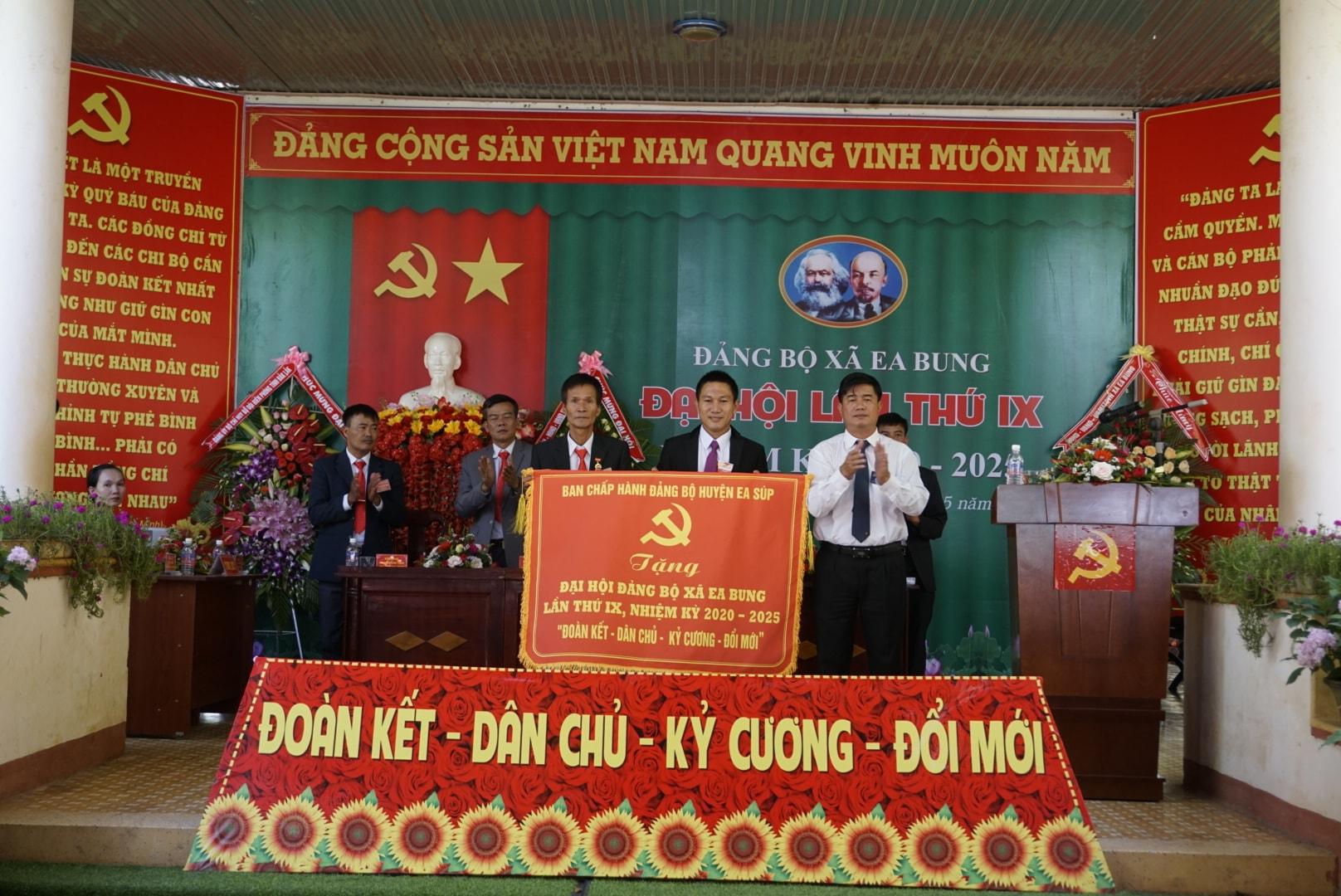 Đại hội điểm Đảng bộ xã Ea Bung nhiệm kỳ 2020-2025