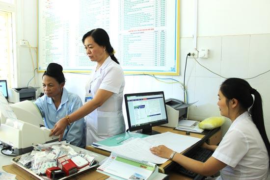 Ủy quyền báo cáo triển khai hồ sơ sức khỏe điện tử và ứng dụng công nghệ thông tin tại Trạm y tế xã, phường, thị trấn.