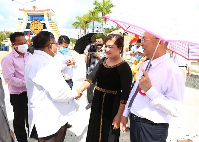 Đắk Lắk hỗ trợ bốn tỉnh Nam Lào kinh phí phòng, chống dịch Covid-19
