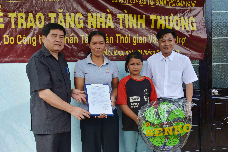 Đoàn đại biểu Quốc hội tỉnh Đắk Lắk trao 6 căn nhà tình thương cho hộ dân tộc thiểu số nghèo