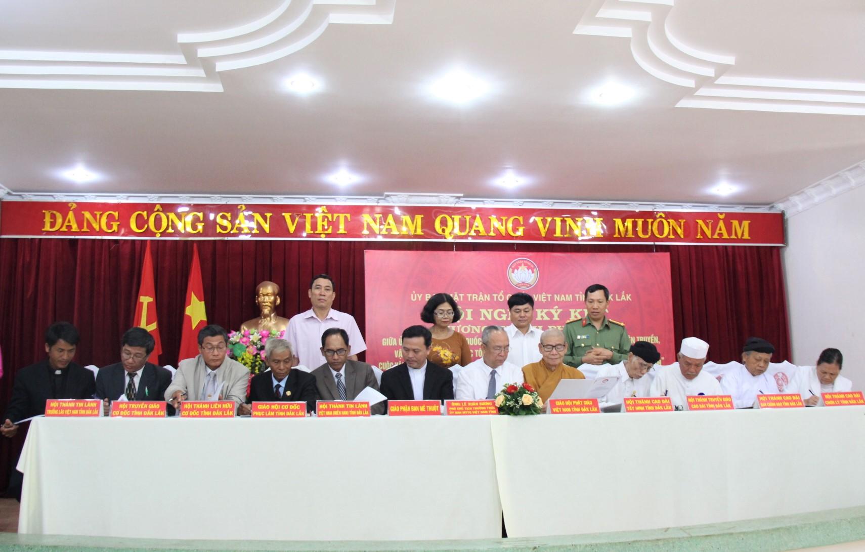 Ký kết Chương trình phối hợp giữa Ủy ban Mặt trận Tổ quốc Việt Nam tỉnh Đắk Lắk với các tổ chức tôn giáo