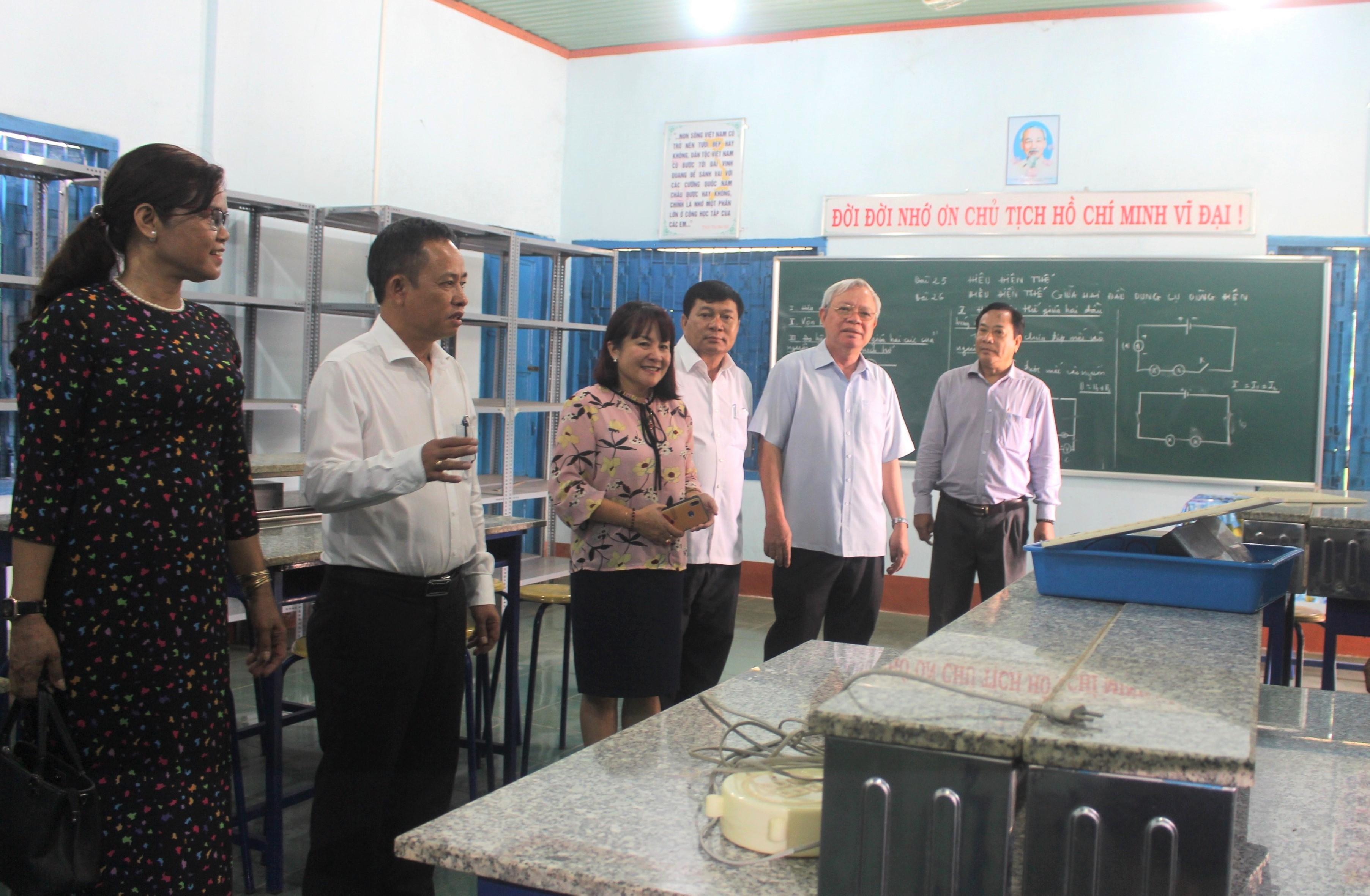 Ban Văn hóa – Xã hội giám sát việc xây dựng trường học đạt chuẩn quốc gia tại huyện Ea Súp
