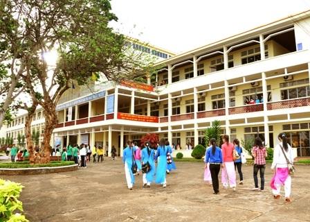 Thi tốt nghiệp Trung cấp sư phạm hệ 12+2 năm học 2015-2016 tại Trường Cao đẳng sư phạm Đắk Lắk.