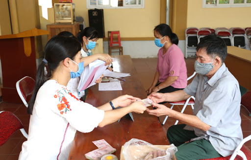 Quyết định về việc phê duyệt bổ sung danh sách hỗ trợ người có công với cách mạng gặp khó khăn do đại dịch Covid-19 của huyện Krông Ana, tỉnh Đắk Lắk.