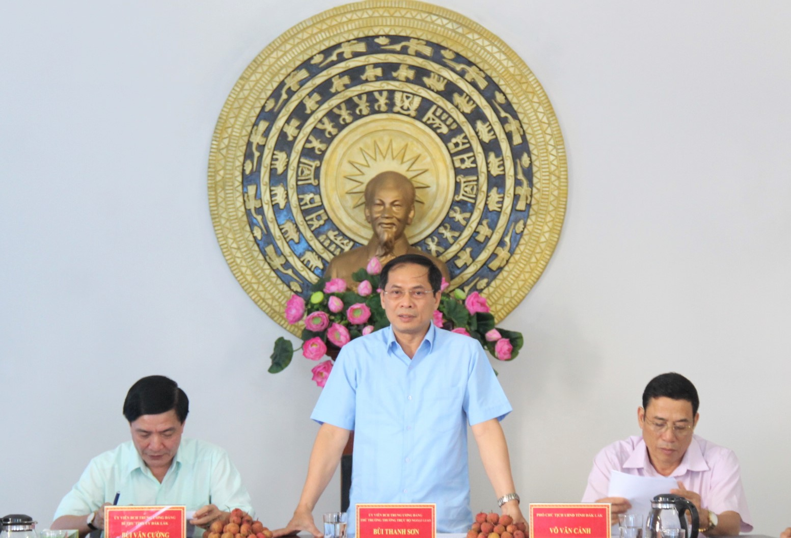 Thứ trưởng Thường trực Bộ Ngoại giao Bùi Thanh Sơn thăm và làm việc tại tỉnh Đắk Lắk