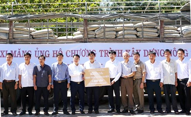 Huyện Ea Súp và Cư M'gar tiếp nhận 2 nghìn tấn xi măng triển khai xây dựng nông thôn mới