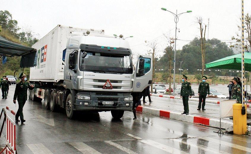 Triển khai hướng dẫn phòng, chống lây nhiễm dịch Covid-19 đối với phương tiện và người điều khiển phương tiện vận chuyển hàng hóa tại các cửa khẩu đường bộ, đường sắt, đường thủy và đường hàng không