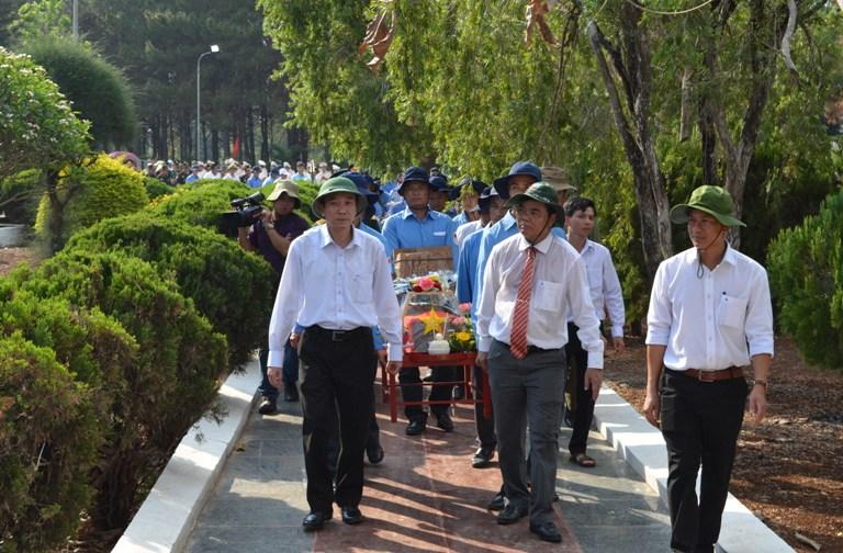 Lễ viếng, truy điệu và an táng hài cốt liệt sỹ, quân tình nguyện và chuyên gia Việt Nam hy sinh tại Campuchia.