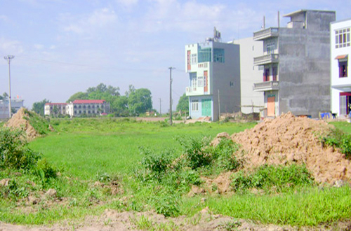 Cho phép UBND huyện Krông Bông chuyển mục đích sử dụng đất phi nông nghiệp không phải là đất ở sang đất ở tại thị trấn Krông Kmar, huyện Krông Bông để tổ chức đấu giá quyền sử dụng đất