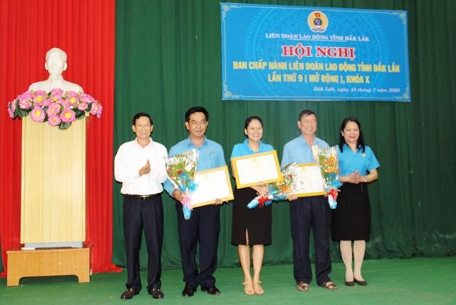 Hội nghị Ban Chấp hành Liên đoàn Lao động tỉnh mở rộng lần thứ 9, khóa X