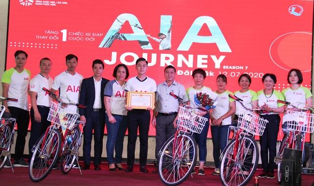 Trao 30 xe đạp cho học sinh có hoàn cảnh có khăn tại thành phố Buôn Ma Thuột