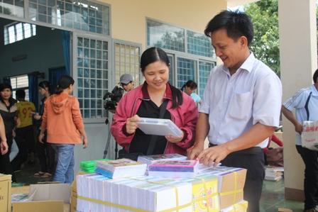 Đảm bảo cung ứng đủ sách cho học sinh trong năm học mới 2020-2021