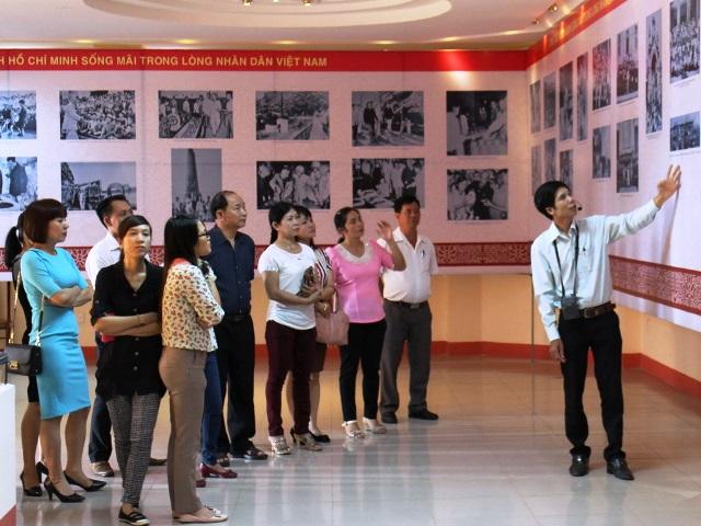 """Sẽ tổ chức Triển lãm chuyên đề """"Hồ Chí Minh cuộc đời và sự nghiệp"""" tại Bảo tàng tỉnh Đắk Lắk"""