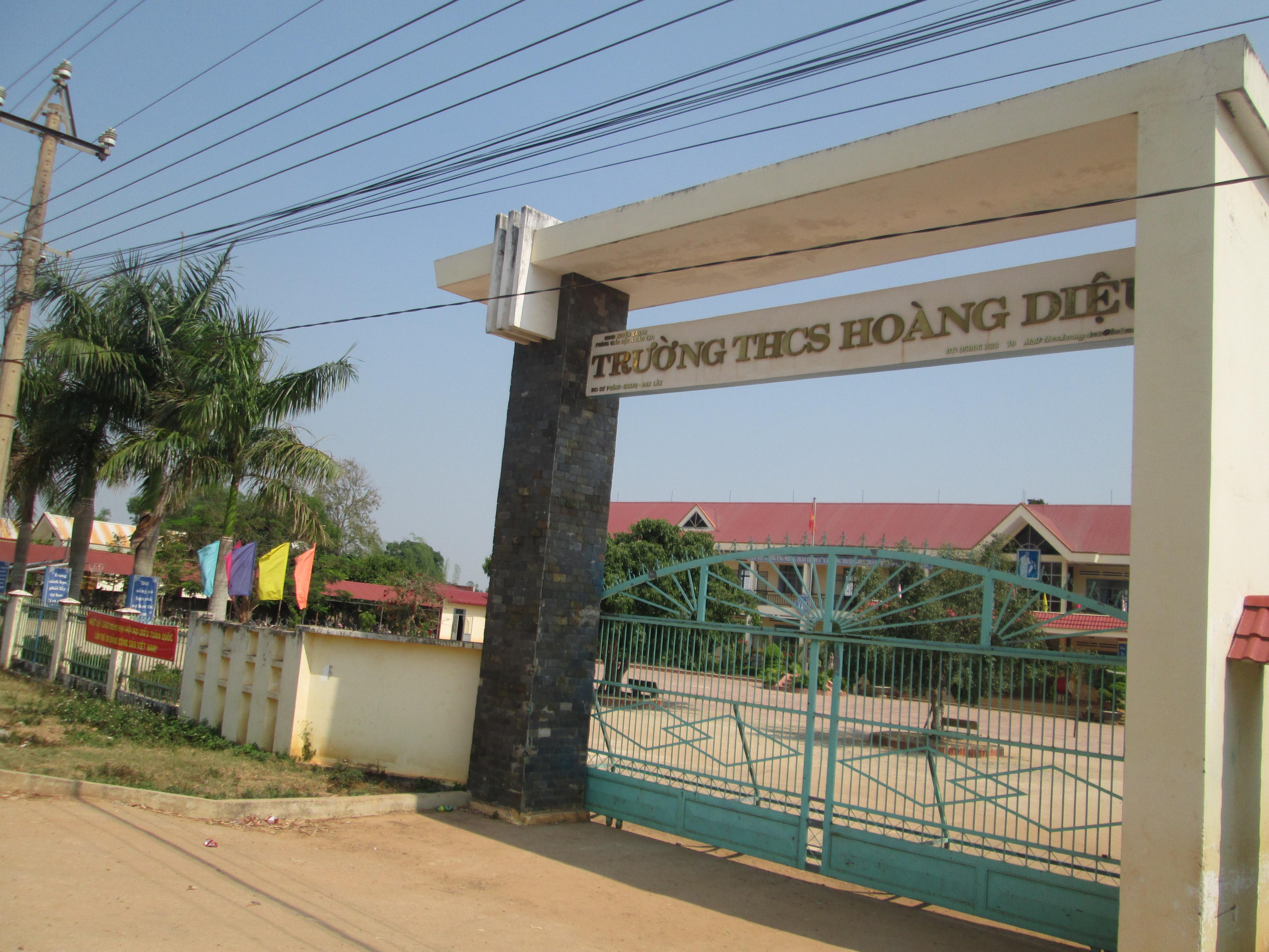 Giao đất tại xã Cư Prông, huyện Ea Kar cho Trường Trung học cơ sở Hoàng Diệu để xây dựng Trường Trung học cơ sở Hoàng Diệu