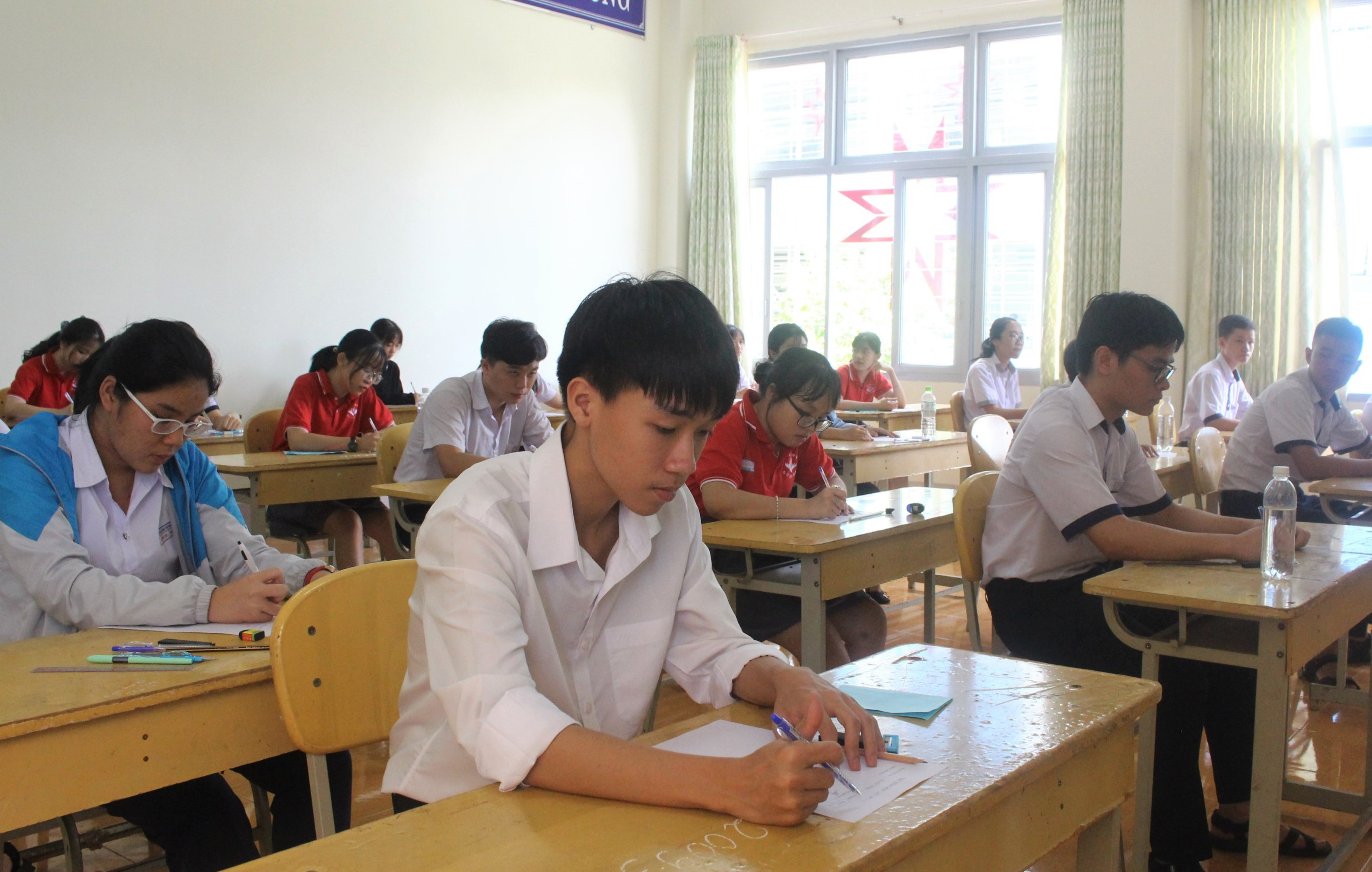 Gần 2.000 thí sinh thi tuyển vào lớp 10 năm học 2020-2021