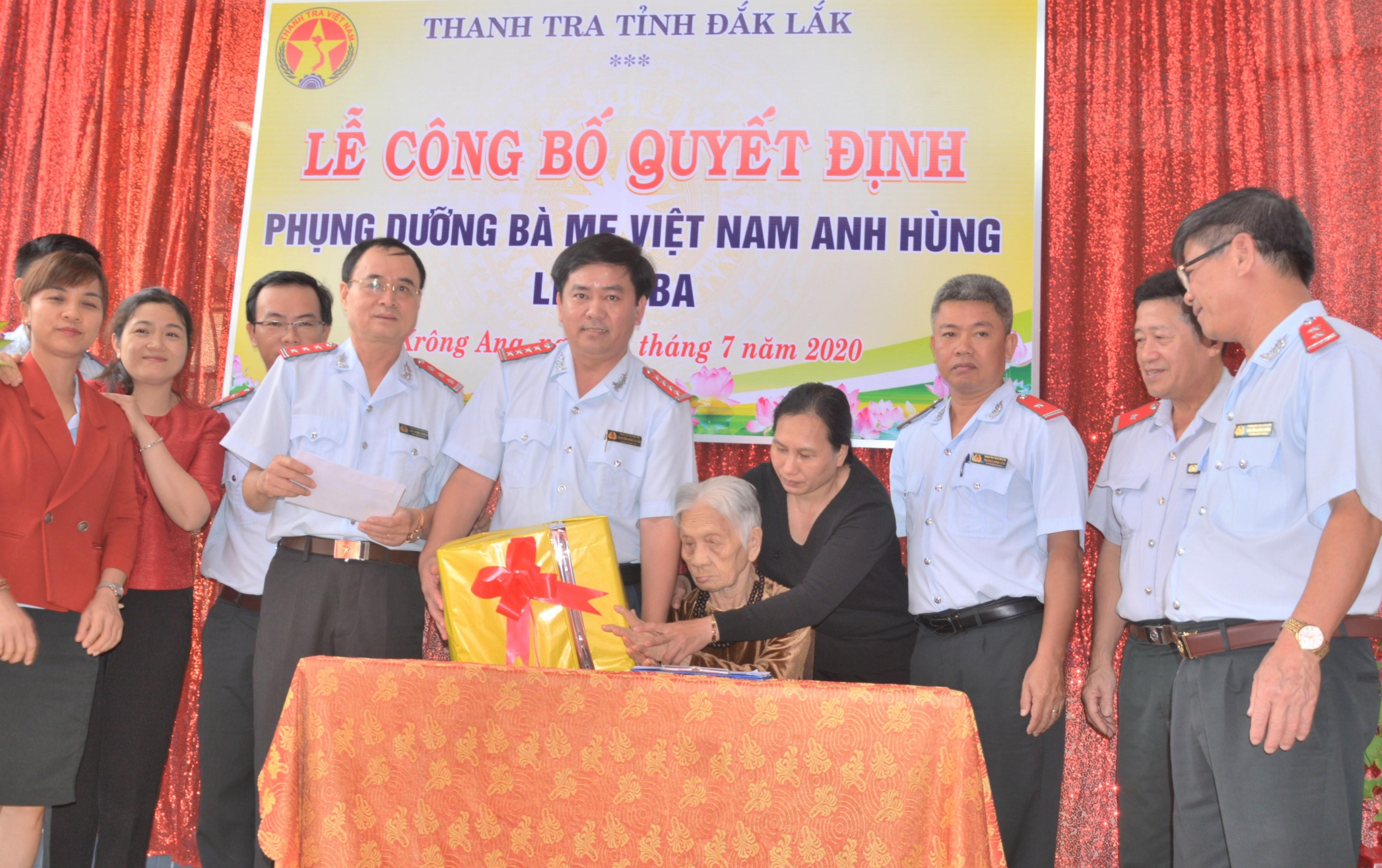 Thanh tra tỉnh Đắk Lắk nhận phụng dưỡng Mẹ Việt Nam Anh hùng