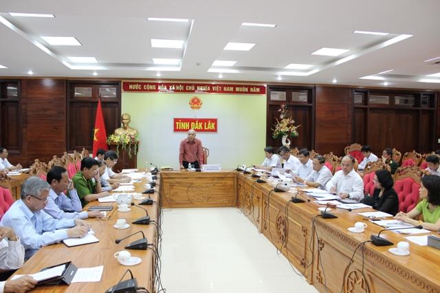 UBND tỉnh họp định kỳ tháng 5 năm 2016