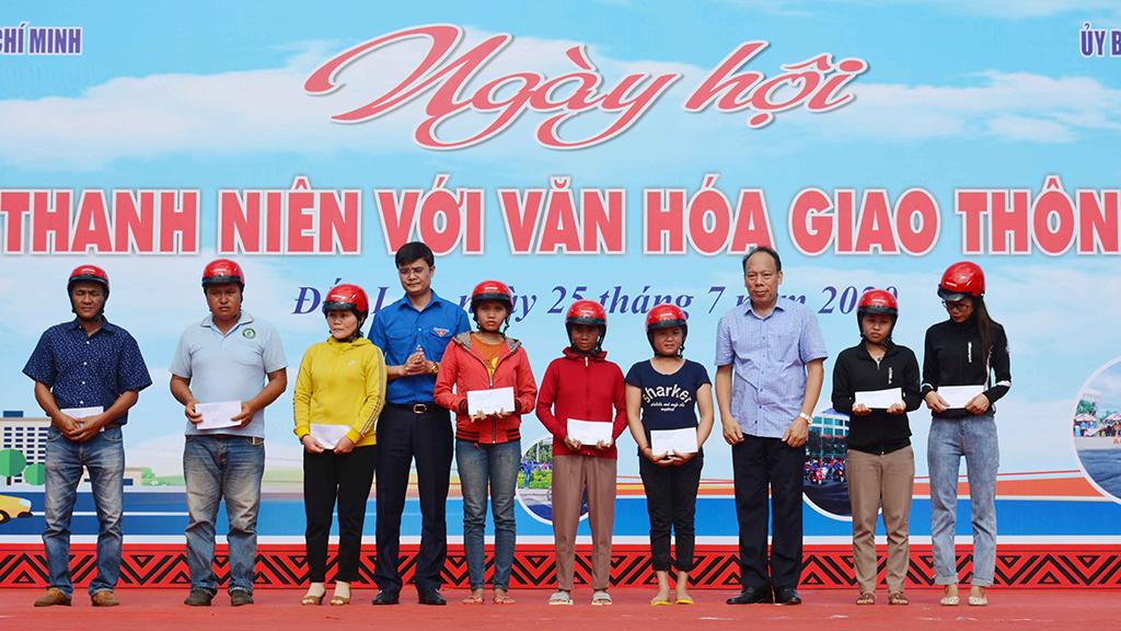 """Ngày hội """"Thanh niên với văn hóa giao thông"""" năm 2020 tại tỉnh Đắk Lắk"""