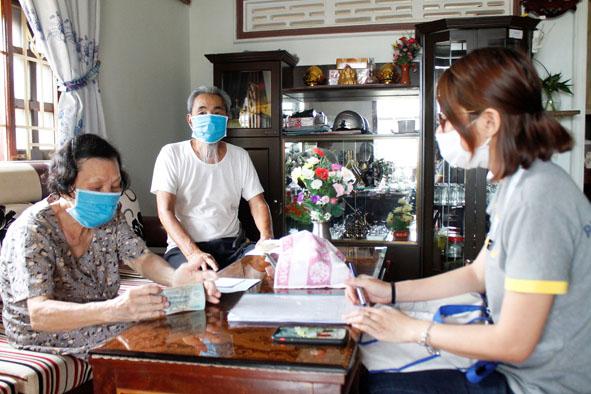 Chi trả lương hưu, trợ cấp BHXH, BHTN trong thời gian phòng chống dịch COVID-19