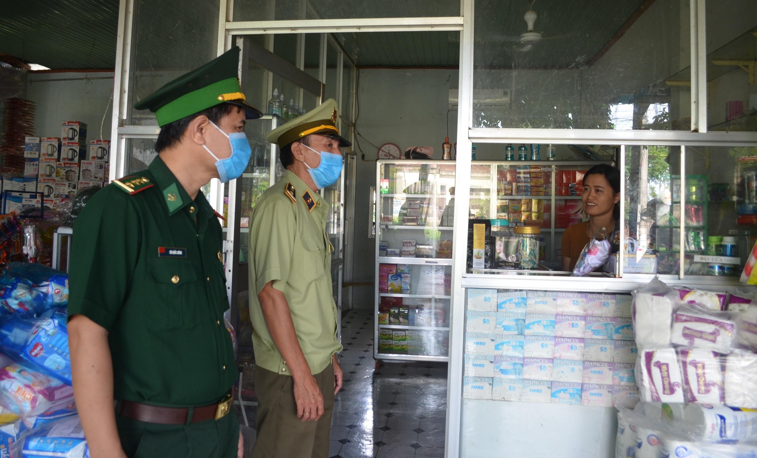 Khảo sát tình hình hoạt động buôn lậu, gian lận thượng mại và hàng giả trên địa bàn khu vực biên giới tỉnh Đắk Lắk