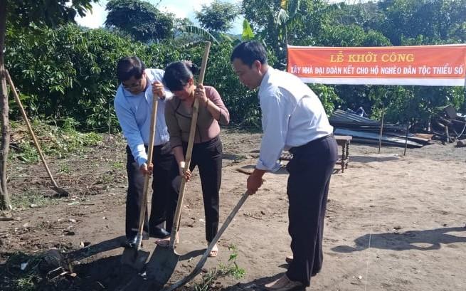 Khởi công xây dựng nhà Đại đoàn kết tặng hộ nghèo