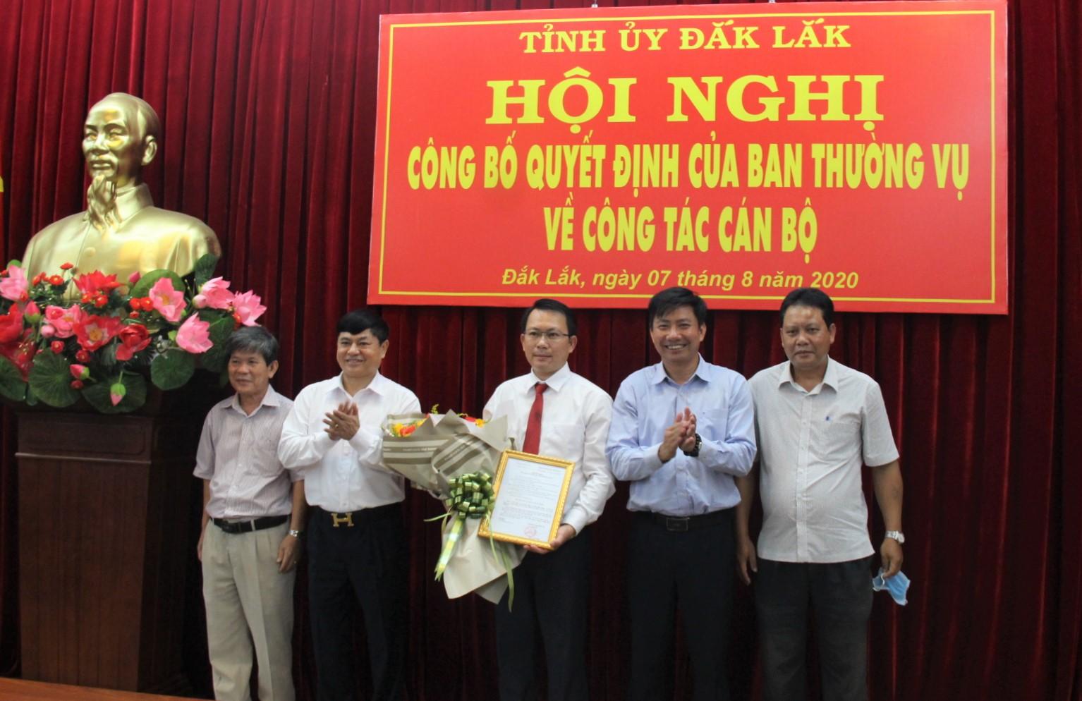 Công bố Quyết định bổ nhiệm Phó Chánh Văn phòng Tỉnh ủy