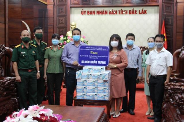UBND tỉnh tiếp nhận 50.000 khẩu trang hỗ trợ phòng, chống dịch Covid-19