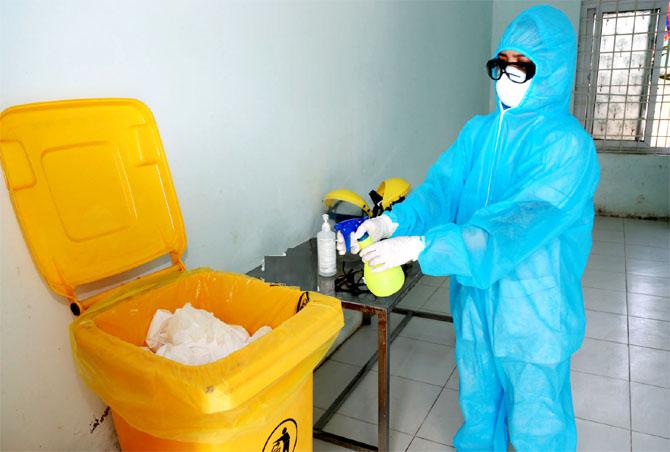 Triển khai Hướng dẫn quản lý chất thải và vệ sinh trong phòng, chống dịch COVID-19