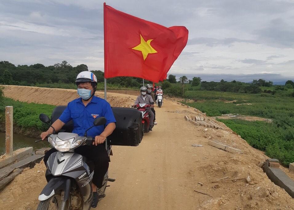 Huyện M'Đrắk đa dạng các hoạt động tuyên truyền phòng chống dịch