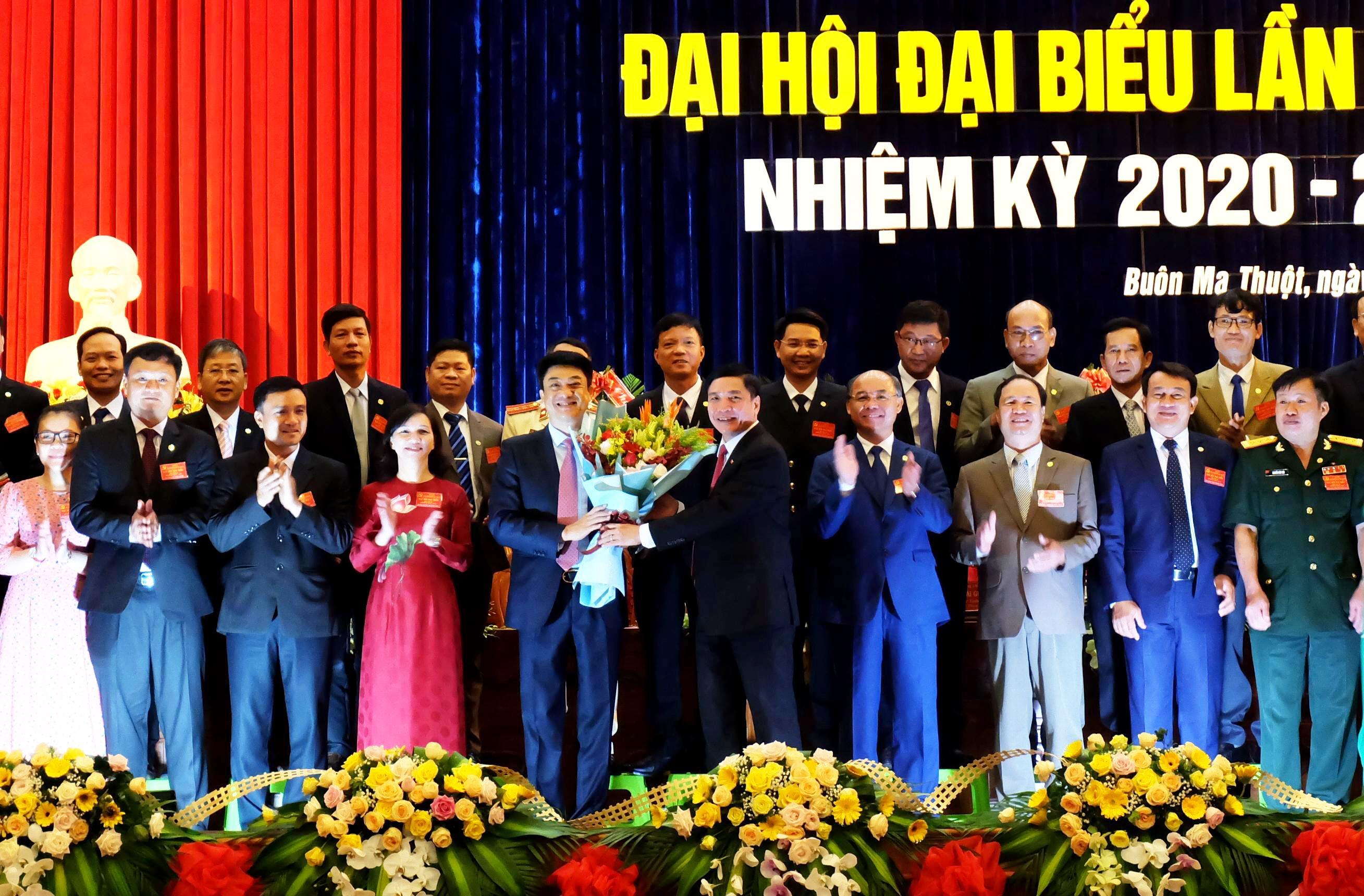 Đồng chí Từ Thái Giang tiếp tục được tín nhiệm bầu giữ chức Bí thư Thành ủy Buôn Ma Thuột nhiệm kỳ 2020 - 2025