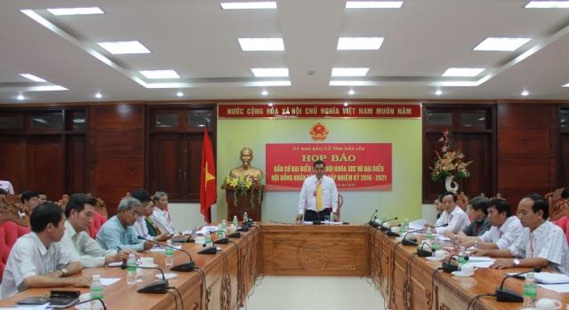 Họp báo về bầu cử đại biểu Quốc hội khóa XIV và đại biểu HĐND các cấp nhiệm kỳ 2016-2021 trên địa bàn tỉnh.