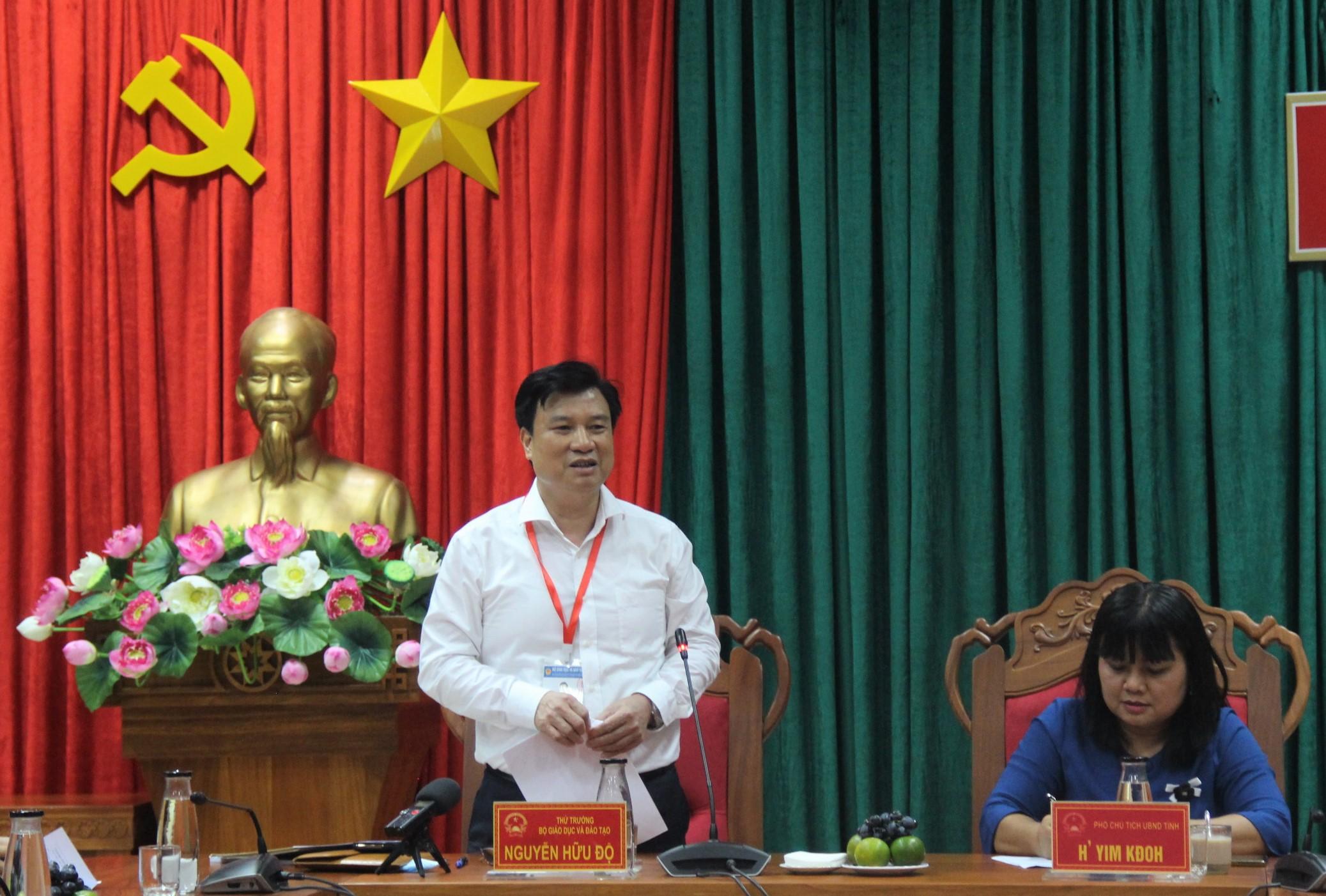 Thứ trưởng Bộ Giáo dục và Đào tạo làm việc với Ban Chỉ đạo thi tốt nghiệp THPT năm 2020 tỉnh Đắk Lắk
