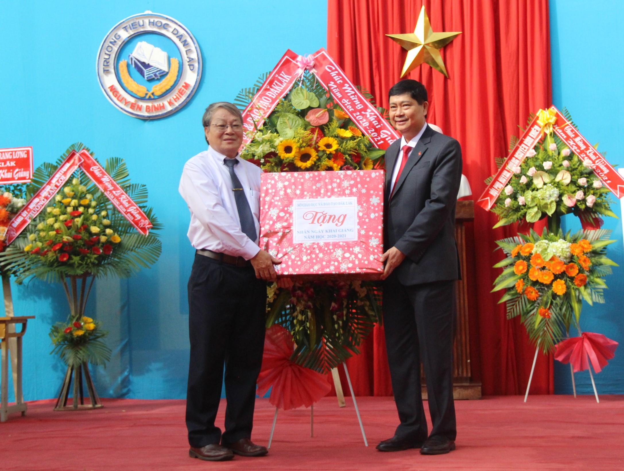 Trường Tiểu học dân lập Nguyễn Bỉnh Khiêm khai giảng năm học mới 2020-2021