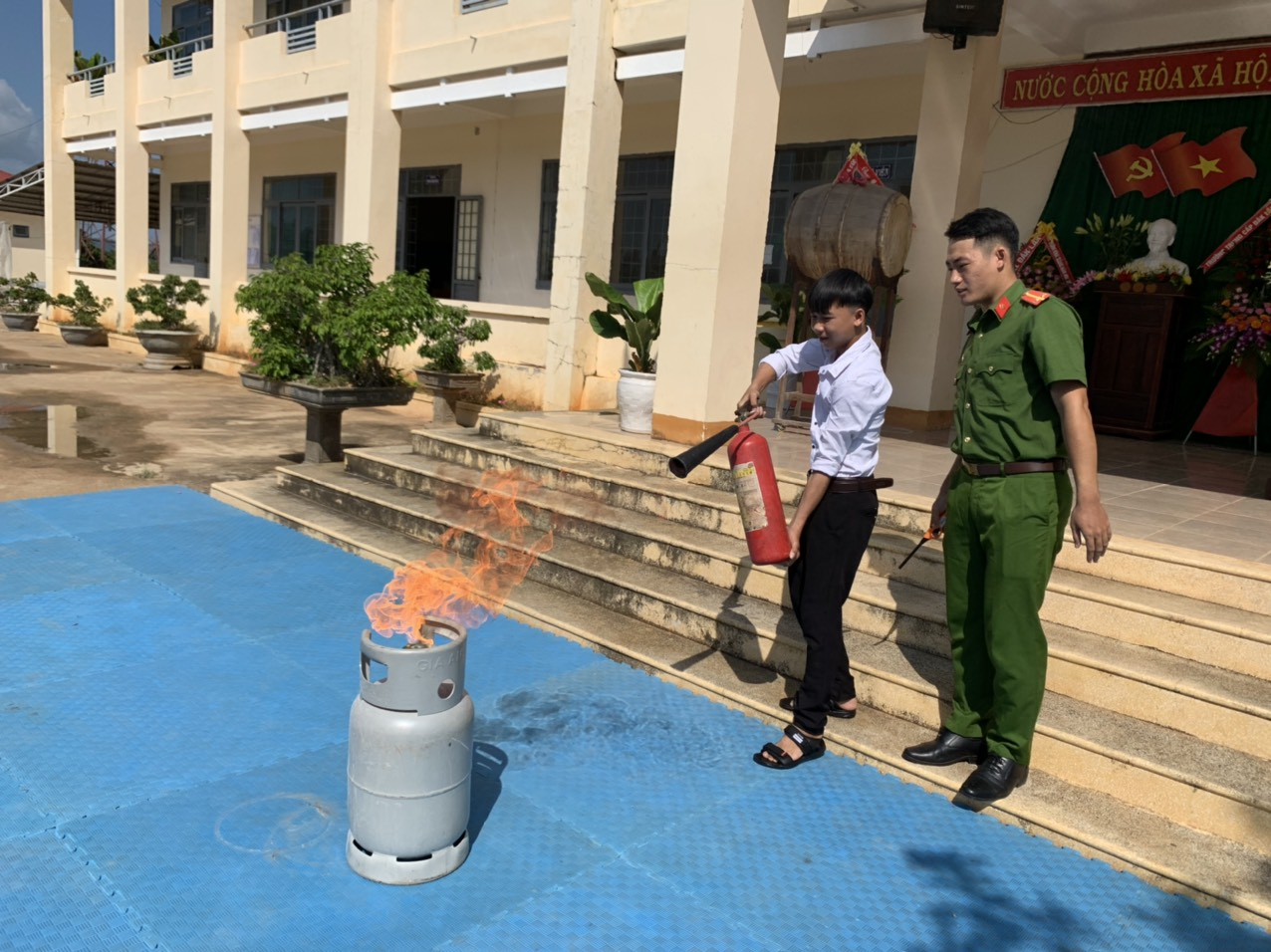 Tuyên truyền phòng cháy chữa cháy cho trên 1.400 giáo viên, học sinh ở Ea Súp
