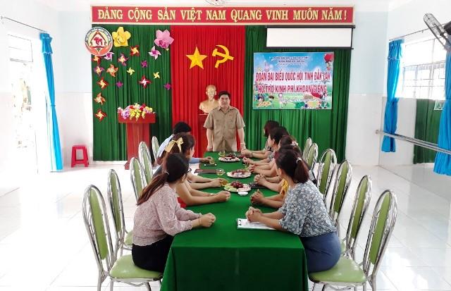 Đoàn Đại biểu Quốc hội tỉnh hỗ trợ kinh phí khoan giếng nước sạch cho Trường Mầm Non Tân Hòa