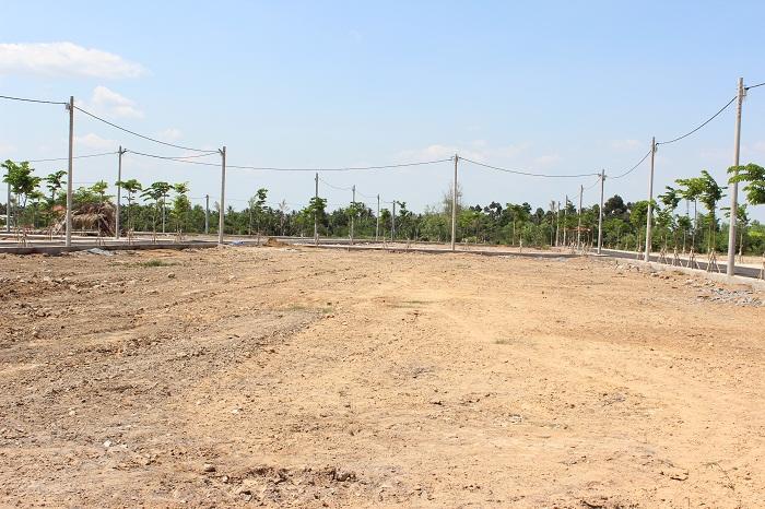 Quyết định về việc cho phép chuyển mục đích sử dụng 5.194,3 m2 đất tại thị trấn Krông Kmar, huyện Krông Bông