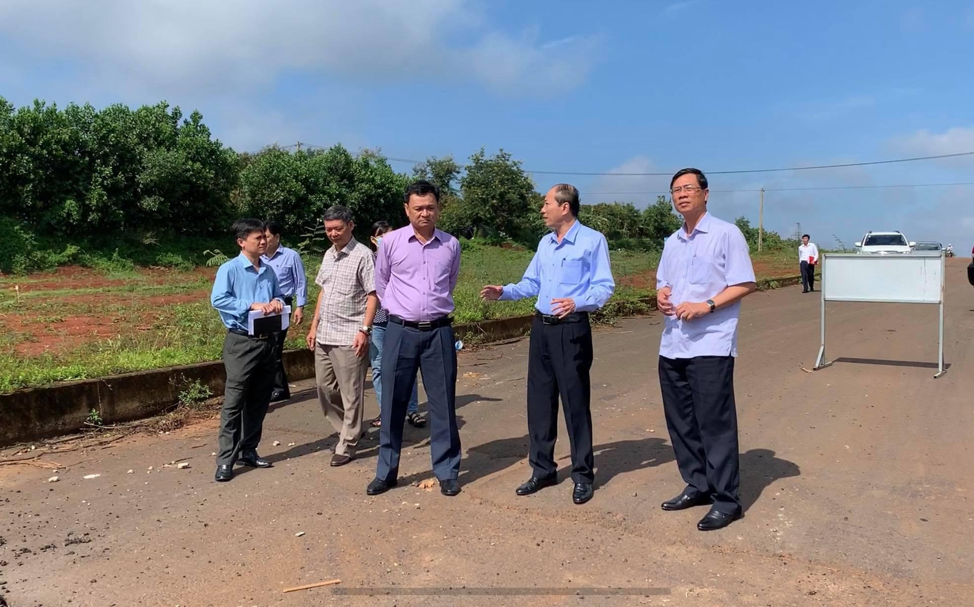 Chủ tịch UBND tỉnh đề nghị đẩy nhanh tiến độ giải phóng mặt bằng Dự án đại lộ Đông Tây